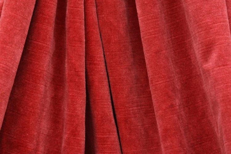 Determina el largo del pliegue más corto de tus cortinas.