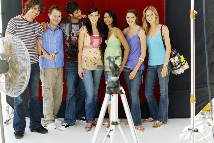 Permite que tu modelo pose o voltee su cuerpo libremente hacia algún ángulo de la cámara.