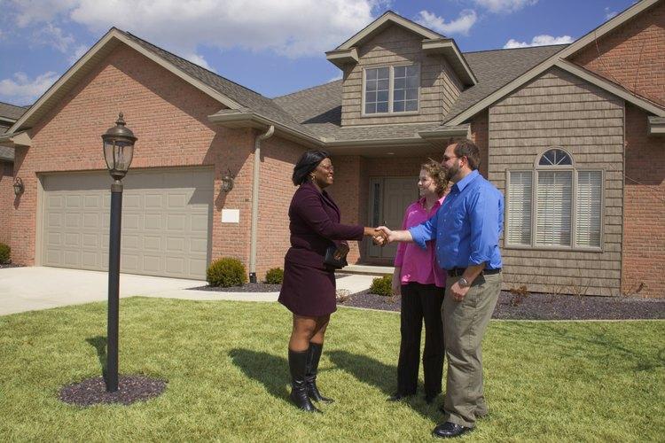 ¿Quién pasa a ser el dueño de una propiedad después de que su propietario fallece?