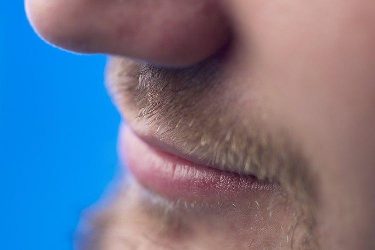 Detener picazón en la barba.