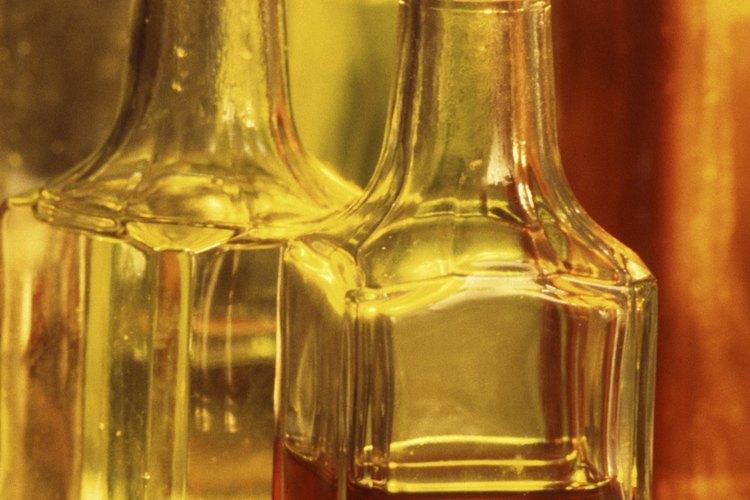 El vinagre se puede hacer a partir de muchas frutas.