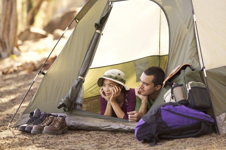 Warren Dunes State Park ofrece sitios de camping individuales y grupales.