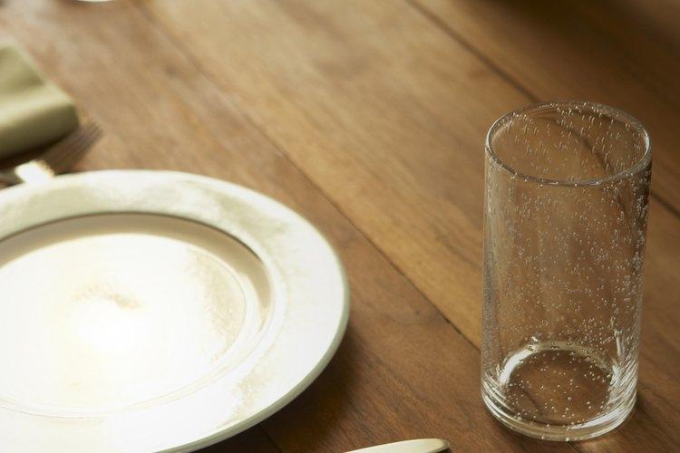 Los montajes de mesas pueden ir desde lo casual a lo formal y a los estilos para bufet.