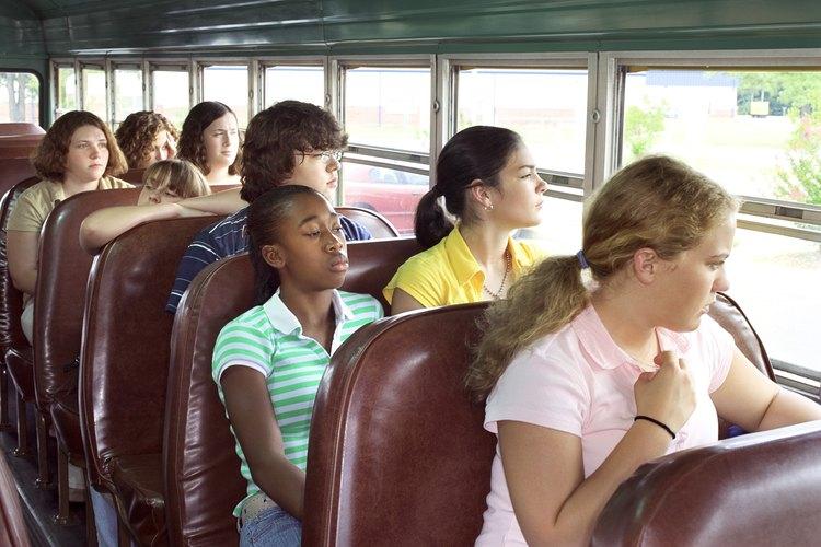 Ayudar a una excursión podría significar viajar en el autobús con tu hijo.
