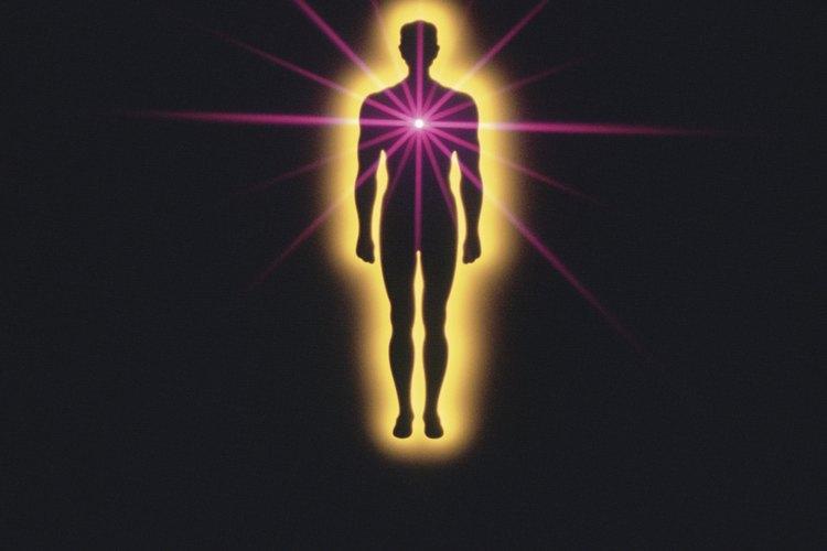 Tu aura es un campo energético sutil que se extiende hasta a 10 pies (3 m) de tu cuerpo.