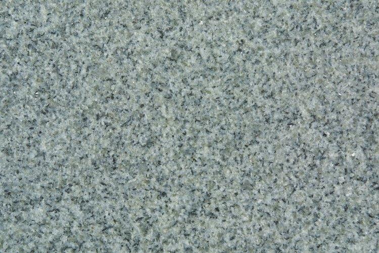 El granito es una pieza de piedra capaz de embellecer un espacio.