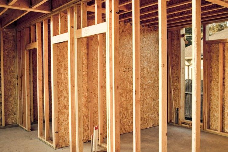 Construye la estructura de las paredes teniendo en cuenta donde quieres las ventanas.