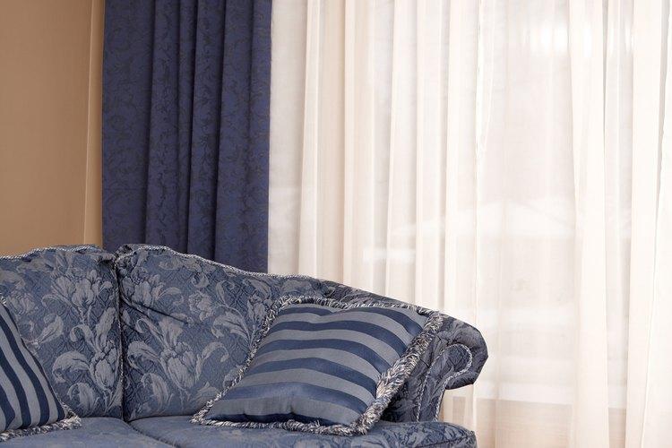 Las cortinas agregan estilo y elegancia a una habitación.