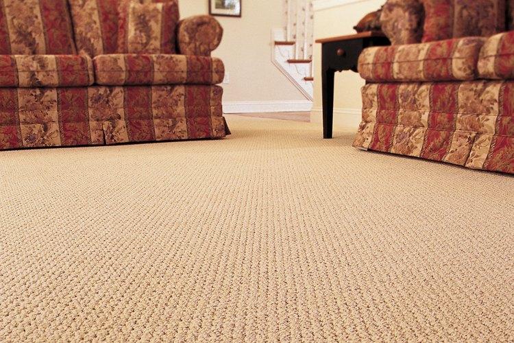 Cómo arreglar una alfombra blanqueada.