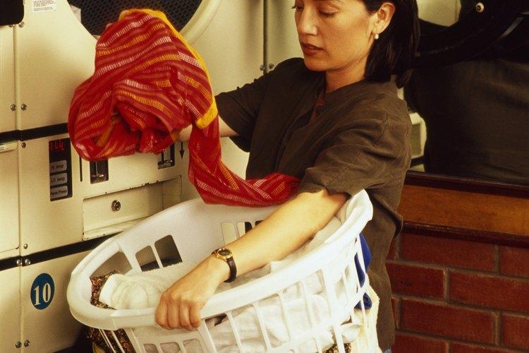 Las prensas que no son indelebles pueden teñir el resto de la carga de ropa.