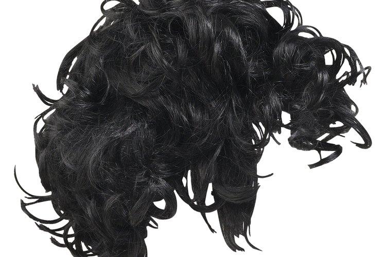 Hombres famosos que usan peluca.