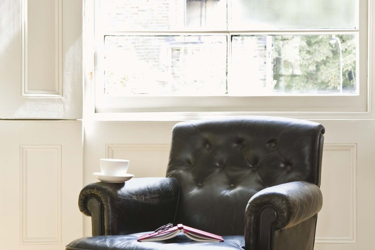 El cuero es una elección popular entre los tapiceros.