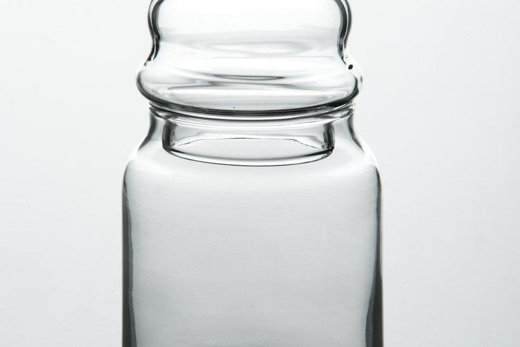 Utiliza un frasco para limpiar los rodamientos.