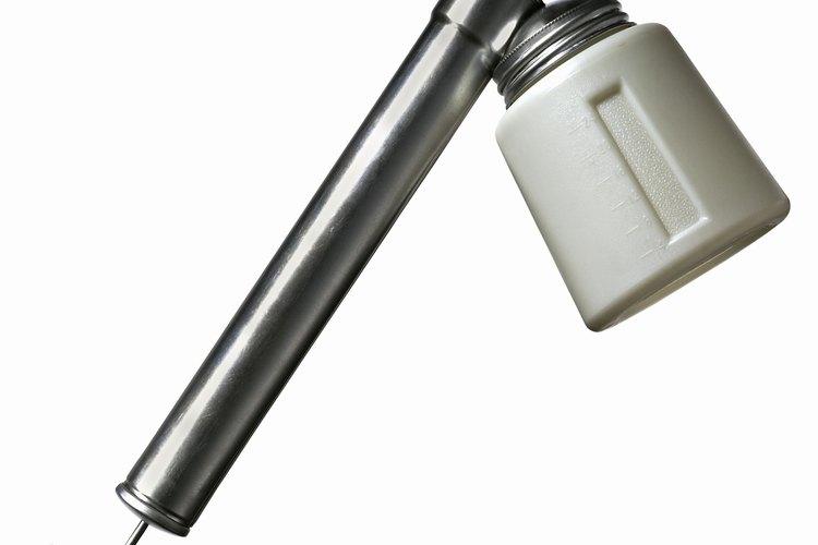 Los insecticidas en forma de spray o nebulizadores pueden ayudarte a reducir las infestaciones del ácaro del molde.