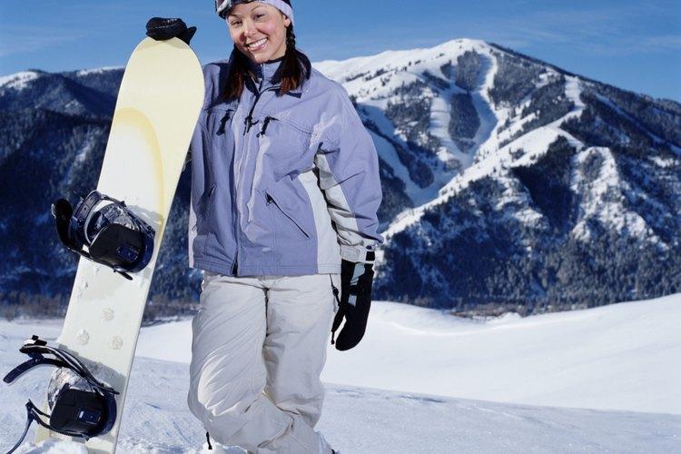 Arroja los esquíes y prueba tu habilidad en la tabla de nieve.