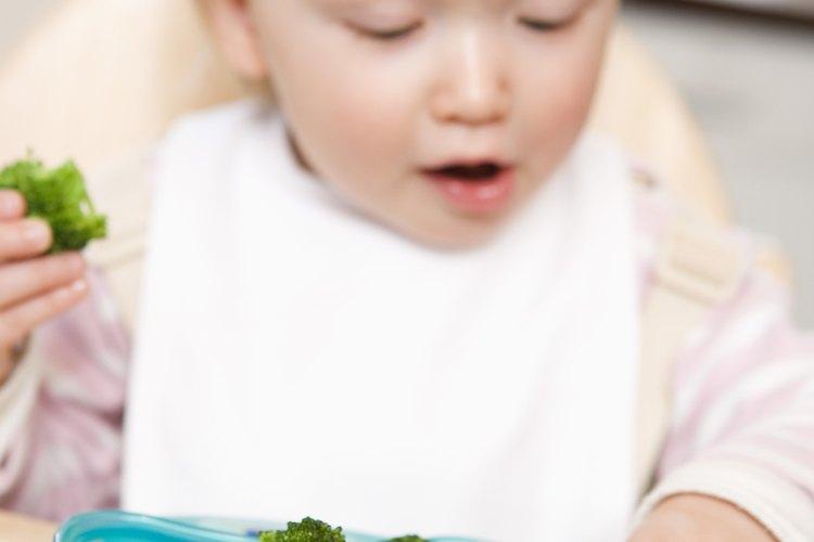 Los vegetales, cocidos hasta estar suaves, son un alimento sano e ideal para agarrar con los dedos.