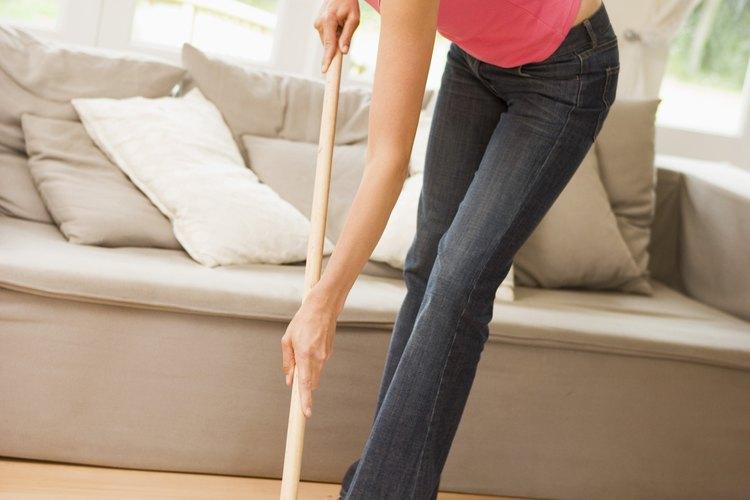 Trapear el suelo correctamente evitará las rayas.