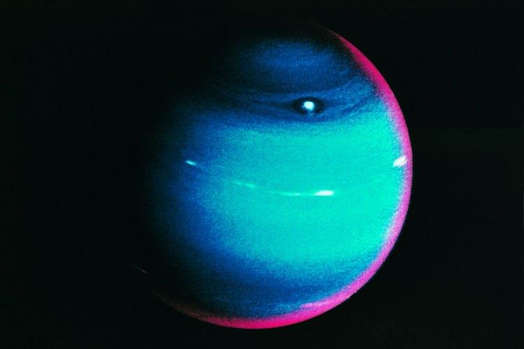 Neptuno es el más pequeño de los gigantes gaseosos.