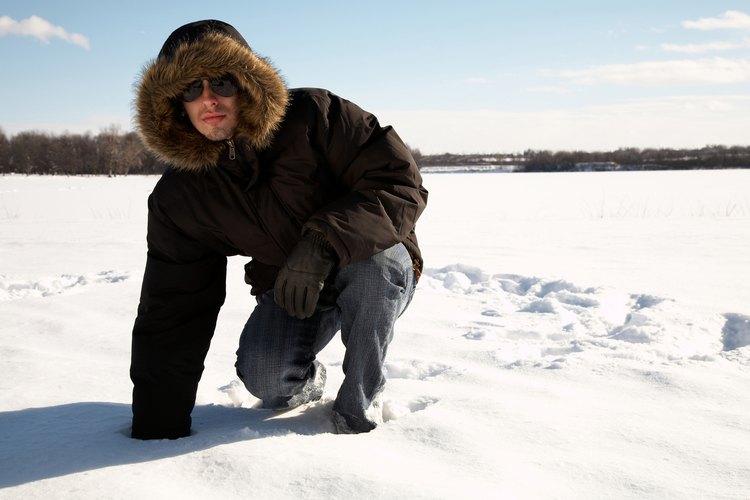 Siempre debes estar bien equipado al salir de casa en invierno o puedes estar en riesgo de sufrir hipotermia y otros problemas relacionados con el frío.