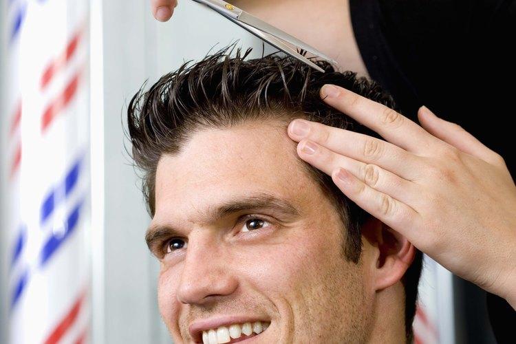 A los barberos se les paga para proporcionar cortes de cabellos de calidad.