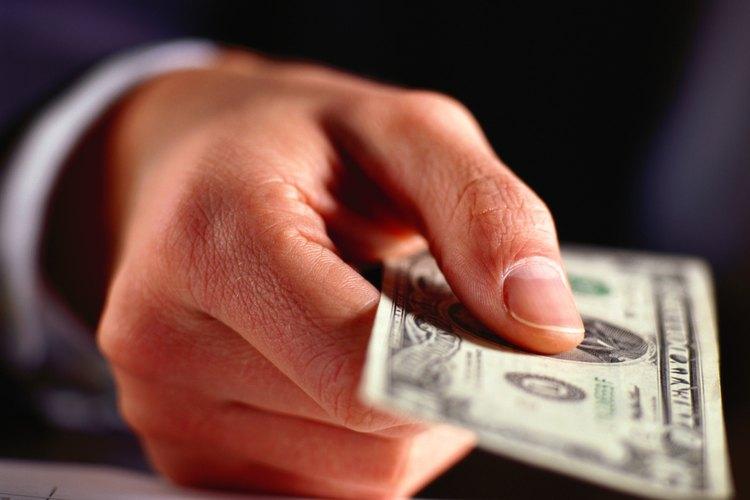 Los pagos de horas extras oscilaron entre US$17,72 y US$24,94 por hora.