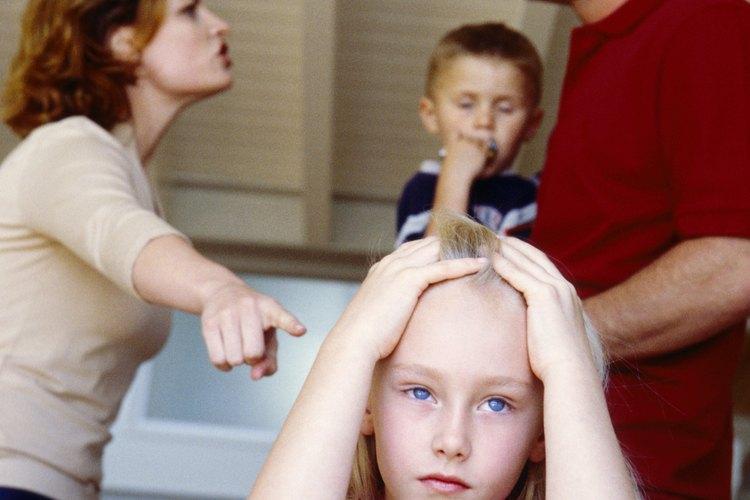 El divorcio puede golpear mucho a los niños.