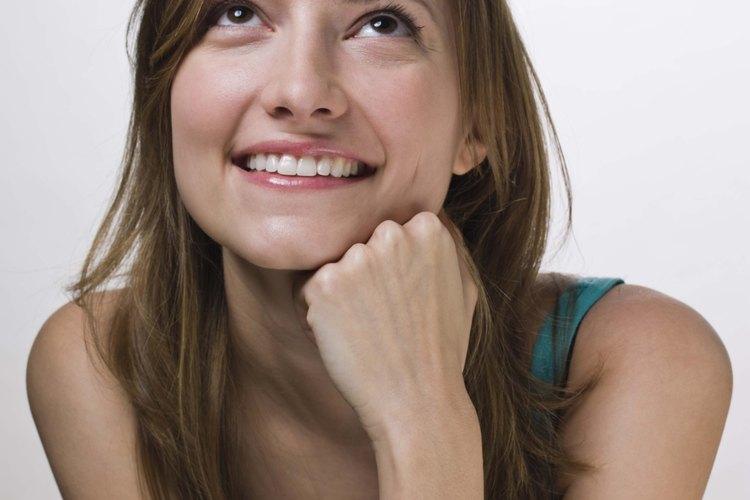 Una de las formas más fáciles de atraer a una mujer es transmitir confianza.