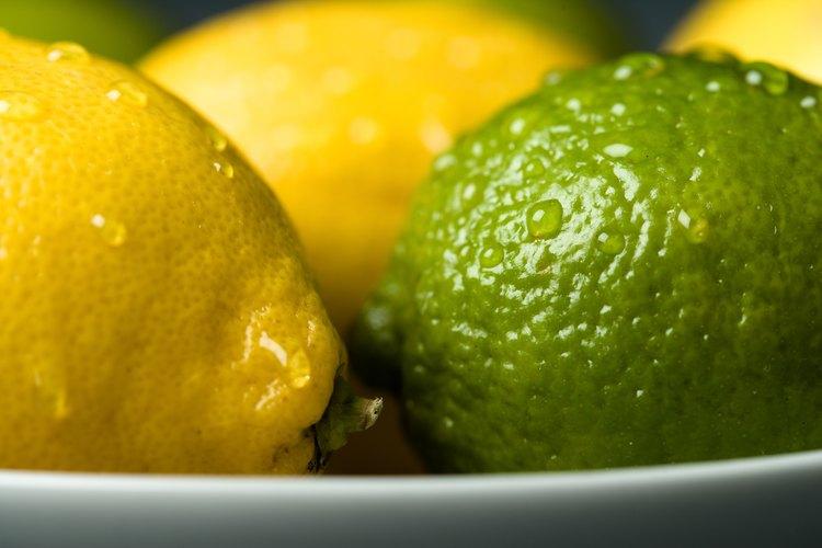 Algunos cocineros sustituyen los limones por limas en las recetas, de acuerdo con La dicha de hornear.