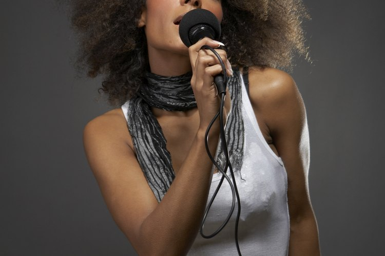 Los cantantes necesitan ciertas habilidades y cualidades personales para tener éxito.