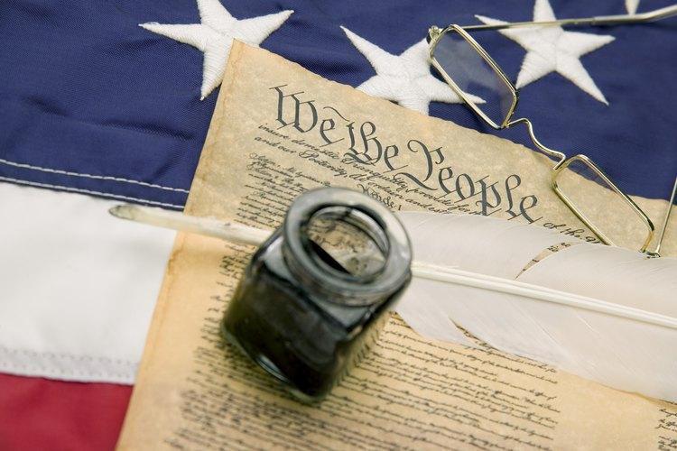 Los autores de la Constitución de los Estados Unidos tenían el sistema parlamentario británico para utilizar como punto de partida.