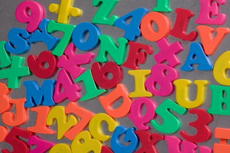 Las letras magnéticas se pueden pintar para que hagan juego con la decoración de la habitación de tu hijo y ser utilizadas para etiquetar los envases metálicos de almacenamiento.