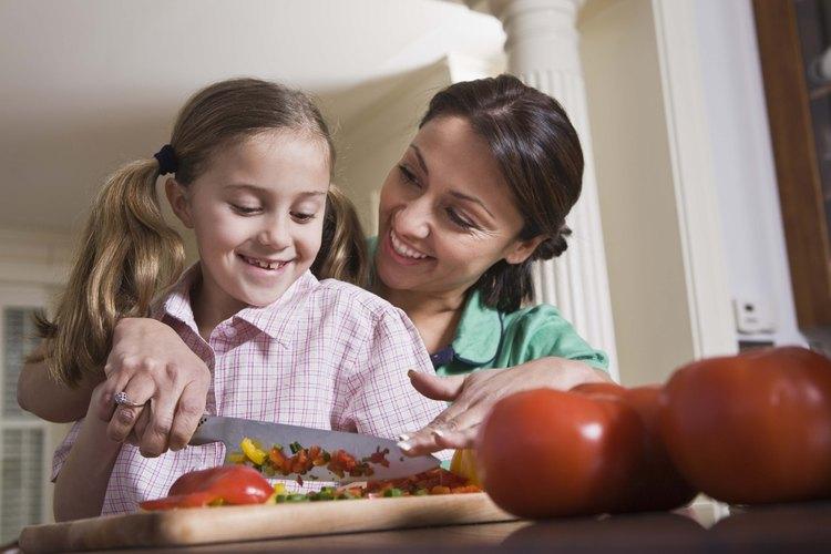 Ya sea que tus alumnos sean niños o adultos, un chef debe enseñar las bases antes que todo lo demás.