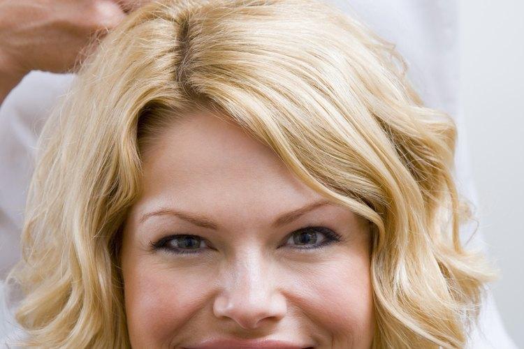 El mantenimiento de relaciones con los clientes ayuda a los peluqueros a atraer nuevos negocios.