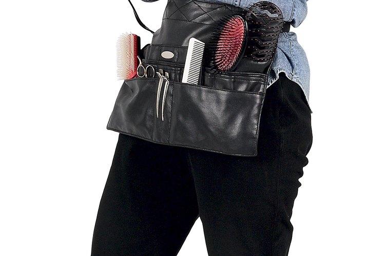 Coloca una secadora de pelo o un calentador portátil a unas 10 pulgadas (25cm) de distancia.