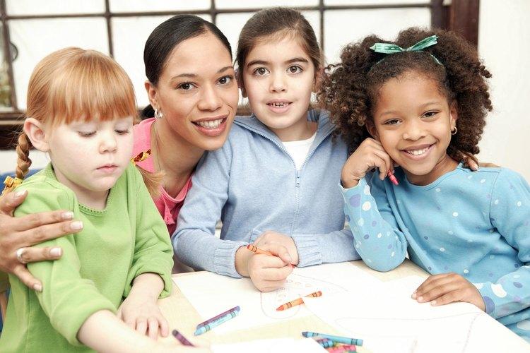 La guardería puede ofrecer un comienzo similar a la escuela para tu hijo.