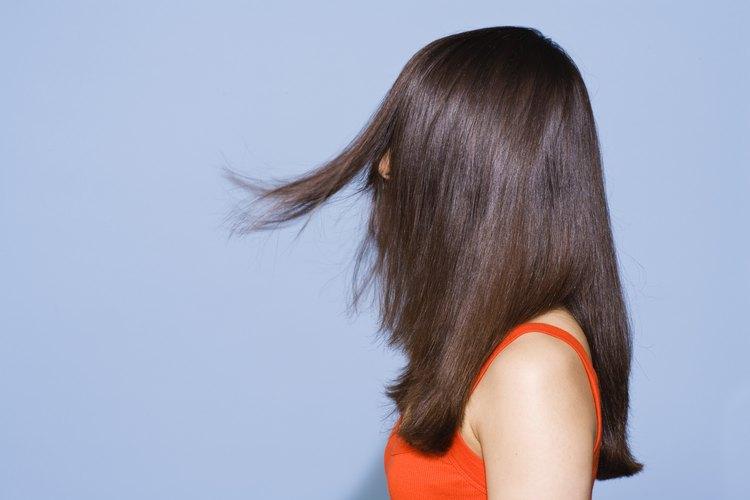 Mantén el color de pelo marrón vibrante dándole ciertos cuidados.