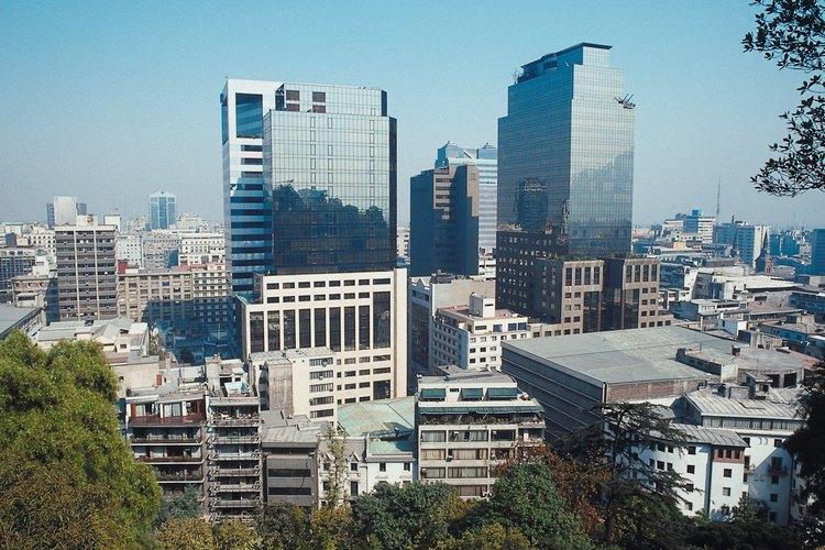 Jodorowsky se mudó junto a su familia a Santiago de Chile a los 10 años de edad.