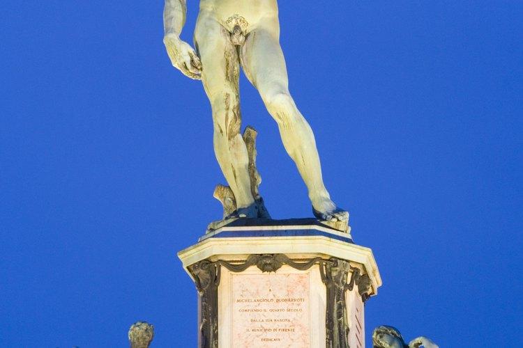 El David de Miguel Angel es una de las esculturas más famosas de todos los tiempos.