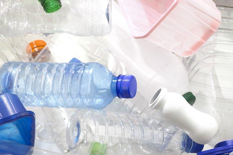 Las botellas de plástico retienen el olor a jabón más que las de vidrio.