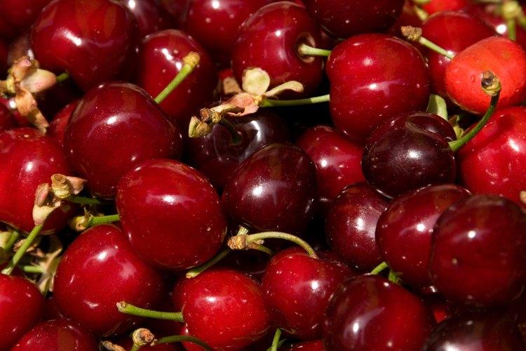 El jugo de cerezas puede servir como una tintura roja.
