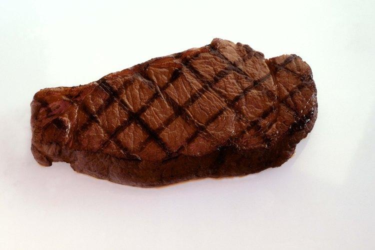 Un buen y grueso filete  New York es el corte ideal para esta receta.