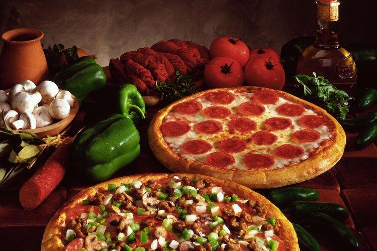 En la forma en que se la conoce en los Estados Unidos, la pizza es una comida única de ese país.