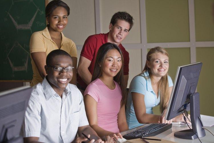 Una escuela Charter o Magnet puede enfocarse en la tecnología.
