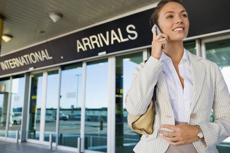 Programa un viaje a tu nueva ciudad para generar una red de contactos en persona.