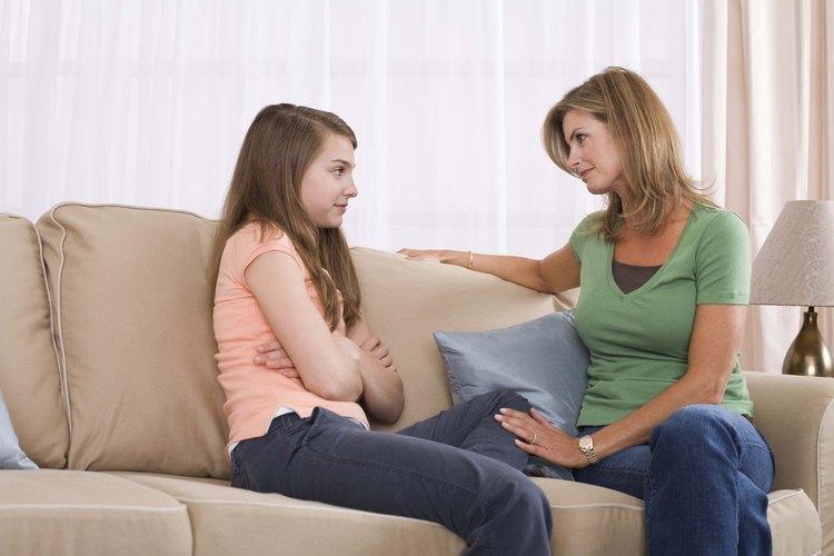A veces hacer una broma y dispersar la tensión puede ayudarte a ti y a tu hijo preadolescente a lidiar con su ira.