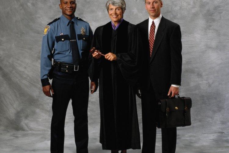 Los agentes no necesitan una orden para registrar la propiedad privada de una persona si la búsqueda se produce mientras están en la escena de un crimen que acaba de ocurrir.