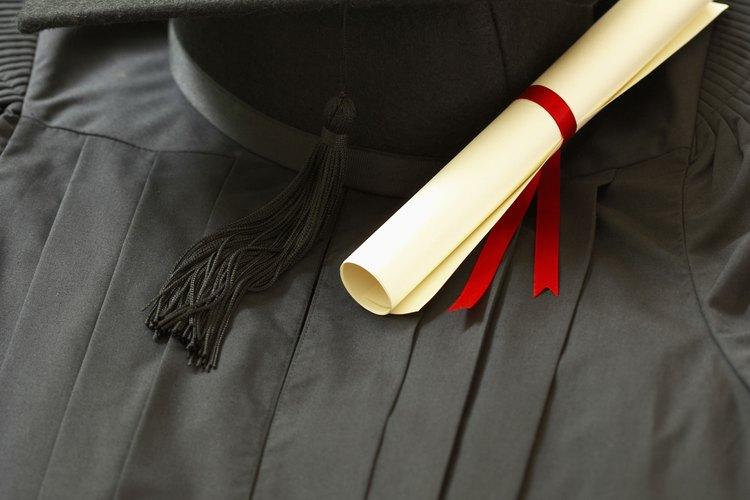 La confusión y la ansiedad son sentimientos comunes antes de la graduación de la escuela preparatoria.