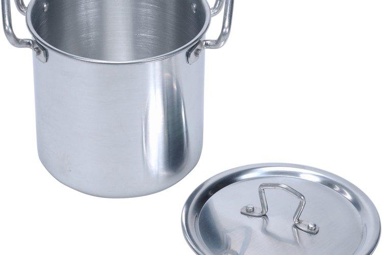 Cómo curar las cacerolas de aluminio