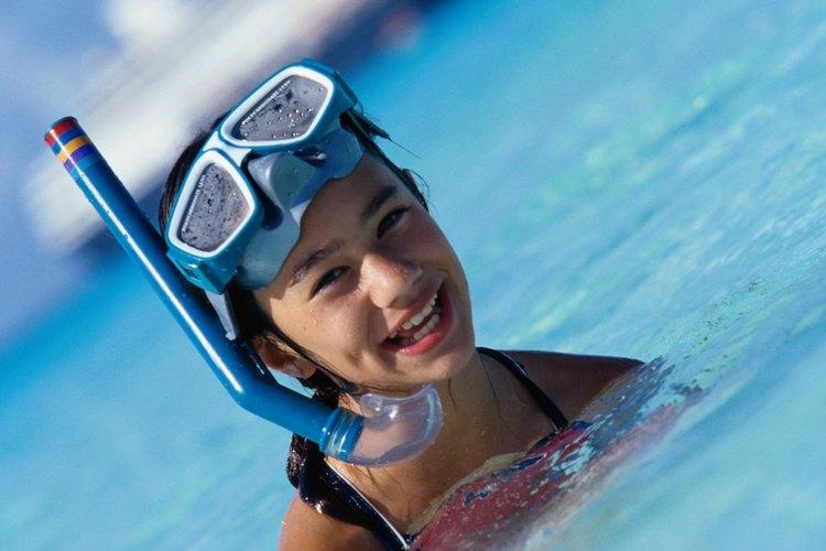 El buceo libre es una actividad fascinante para niños.