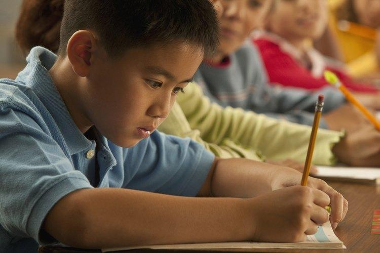 Ayuda a tus hijos a desarrollar el empuje para trabajar con diligencia y de forma independiente.